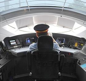 三维坐标测量仪在动车驾驶舱扫描案例
